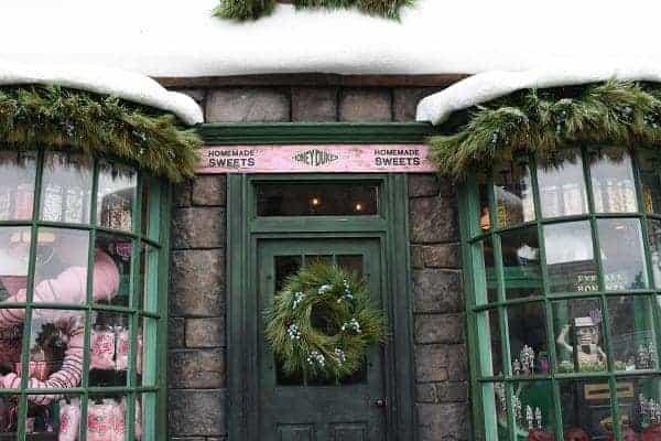 Honeydukes Holiday Entrance