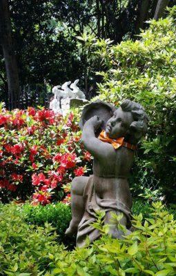 Bowtie on Statue at Norfolk Historic Garden Tour